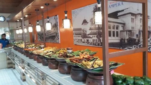 STOQO - Rumah Makan Ampera (foto: amperadalemkaum.com)