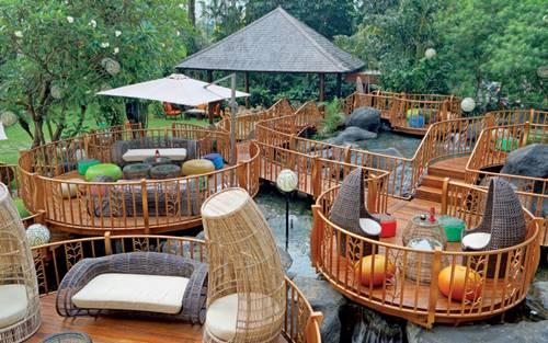 STOQO - Jimbaran Outdoor Lounge (foto: panduanwisata.id)