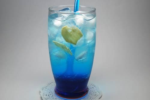 STOQO - Blue Ocean Soda (foto: myshopify.com)